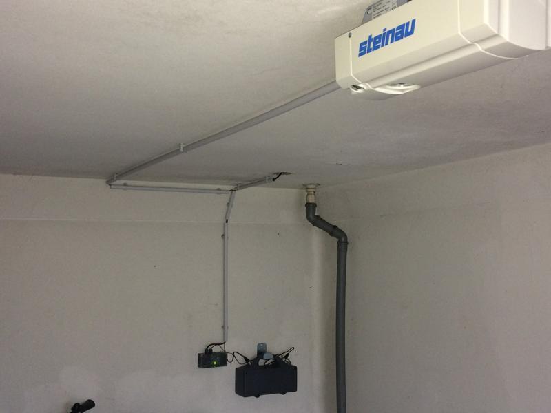 Garagentorantrieb Steinau E60 mit Akku und Solar